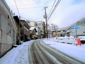 民宿街の積雪風景