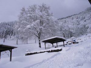 雪景色のプチコテージエルム